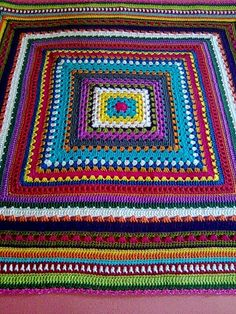 Mixed-stitches granny square blanket, free tutorial by Antara Celetna (Google translate) . . . . ღTrish W ~ http://www.pinterest.com/trishw/ . . . . #crochet #afghan #throw