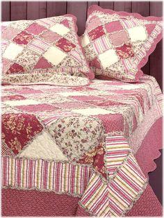 couvre lit boutid parme et mauve boutis pinterest couvre lit parme et couvre. Black Bedroom Furniture Sets. Home Design Ideas