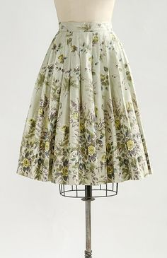 Vintage 1950s Floral Skirt Vintage Dresses 1fb9815e78b9