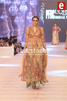 Misha-Lakhani - PFDC-L'Oréal-Paris-Bridal-Week-2014-ebuzztoday (41)