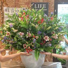 #flower #flowerarrangement #arrangement #flowerbouquet #orientallily  #pinklily #gloriosa #gentian  Flowers for delivery tomorrow🌼