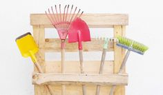 Gartengeräte Halterung selbstgemacht Gadgets, Life Hacks, Chair, Blog, Furniture, Home Decor, Pallet Kids, Wooden Platters, Handy Tips