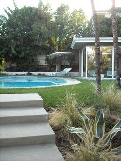 Mid-Century Modern Garden - Yard Designs - Decorating Ideas - HGTV ...