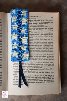 Starry bookmark Marque-page étoilé by Chiyoko Cute Creation Floral Tie, About Me Blog, Knitting, Daily Inspiration, Drawings, Crochet, Cute, Shop, Ideas