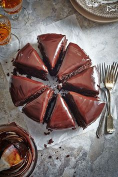 Chocolate beetroot cake (and other beetroot recipes. Beetroot Cake Recipe, Beetroot Chocolate Cake, Beetroot Recipes, Decadent Chocolate, Chocolate Desserts, Chocolate Fudge, Chocolate Frosting, Delicious Chocolate, Chocolate Lovers