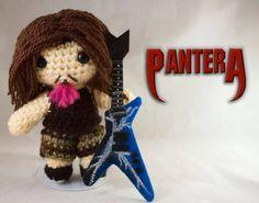 OMG! A crochet Dimebag Darrell (RIP)