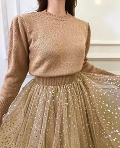 Lirika matoshi - lira sweater and star dress Look Fashion, Skirt Fashion, Fashion Dresses, Fashion Design, Pretty Outfits, Pretty Dresses, Beautiful Dresses, Modest Outfits, Skirt Outfits