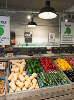 Marqt Haarlemmerstraat. Sustainable supermarket: Interior design and project management by Heyligers design+projects. www.h-dp.nl groente & fruit fruit & vegetables