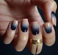 Nude and navy blue ombre nude nails, gradient nails, blue ombre nails, navy Blue Ombre Nails, Navy Nails, Gradient Nails, Black Nails, Cute Nails, Pretty Nails, Ongles Beiges, Nail Art Vernis, Acryl Nails