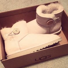 #ChristmasGifts, Cheap Uggs Boots Outlet Online Offers Various Genuine Boots On Hot Sale.All free shipping!!!, #FreeShipping, #UGG, #Boots, #Cheap, #Wholesale, #Discount, #Outlet, #2014fashion, #Womens, #Kids, #Mens, #GiftIdeas, #NewYearOutfit