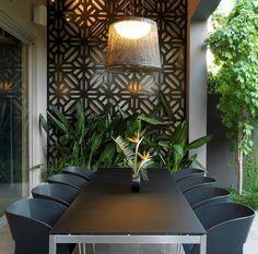 décoration mur extérieur, panneau métallique décoratif et meubles de jardin design