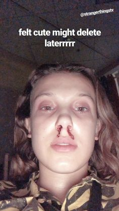 Millie Bobby Brown is wishing the fans happy stranger things day by posting this bts picture of her on Stranger Things Actors, Bobby Brown Stranger Things, Stranger Things Aesthetic, Stranger Things Funny, Eleven Stranger Things, Stranger Things Netflix, Millie Bobby Brown, Adrien Y Marinette, Queen