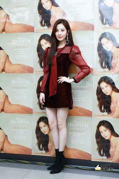Snsd Fashion, Look Fashion, Girl Fashion, Fashion Dresses, Yoona, Kpop Girl Groups, Kpop Girls, Korean Girl, Asian Girl