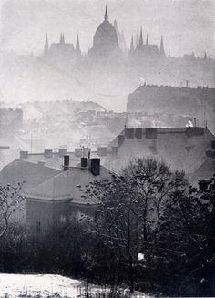 József Németh Winter fog, Budapest, Thanks to yama-bato and scanzen Beautiful Buildings, Beautiful Places, Pix Art, Art Corner, Winter Photos, Winter Wonder, Budapest Hungary, Vintage Photographs, Vintage Photos