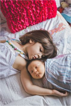 Seattle Lifestyle Newborn Photography - sibling shot, big sister little brother