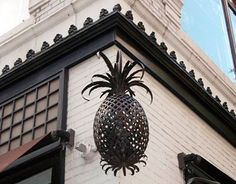 Pineapples+Are+Making+a+Comeback  - HouseBeautiful.com