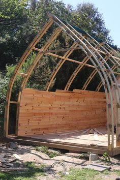 This is the structure i used to build my tiny house. Bow arch construction is very strong and light with minimal use of materials. Tiny Cabins, Tiny House Cabin, Cabin Homes, Tree House Plans, Small House Plans, Cabin Design, Tiny House Design, Arched Cabin, Arch Building