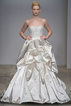 Kenneth Pool for Amsale Alessandra Couture Bridal Gown Discount Designer Wedding Dresses, Designer Dresses, Bridal Gowns, Wedding Gowns, Wedding Attire, Stylish Eve, Silhouette, Used Wedding Dresses, Queen