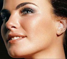 Noticias ao Minuto - Ana Paula Arósio: a beleza que impressionou o Brasil por 3 décadas