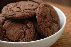 chewy-chocolate-cookies These cookies are sooooo good. The perfect chocolate cookie! Chocolate Chip Cookies, Chocolate Raisins, Honey Chocolate, Raisin Cookies, Chocolate Cookie Recipes, Almond Cookies, Gluten Free Chocolate, Healthy Chocolate, Craving Chocolate