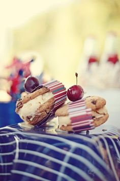 cookie sandwiches! my fave...