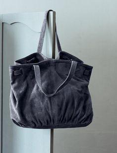 cuir gris