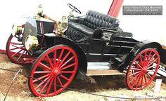 IHC model AW 800 lb Express, voiture utilitaire de 1912  La IHC model AW - 800 lb Express, cet ancien véhicule utilitaire fut fabriqué en 1912 et vendu $900, carrosserie utilitaire ouvert à 2 - moteur bicylindre de 196,5cid -16cv.