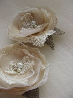 Hair clips for bridesmaids...we can make these, right @Emma Drummond Belshe and @Kathy Chan Walker Harris, right?