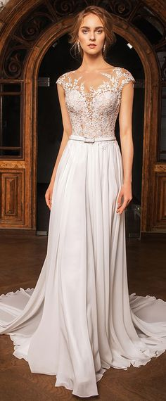 Graceful Tulle & Chiffon Jewel Neckline A-line Wedding Dress With Lace Appliques