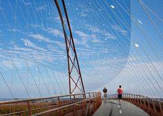 Palo Alto bridge to span fourteen lanes of San Francisco's 101 Freeway.