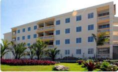 Amplo apartamento à venda em Patamares, Salvador, Bahia, Brasil.