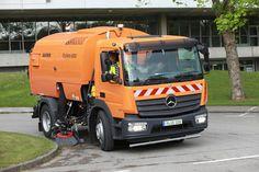 Vom leichten Sprinter über den Econic und Unimog bis hin zum schweren Arocs und wendigen Fuso Canter – Daimler auf der IFAT 2016