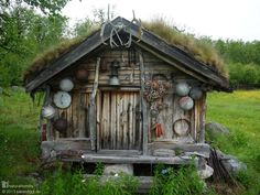 This is a Sami storeroom [www.naturalhomes.org/timeline/stabbur.htm] in northern Norway. The Sami people are the indigenous Scandinavians who live across Norway, Sweden, Finland and northwestern Russia. For the nomadic Sami storerooms were built to return to as they moved from place to place herding reindeer.