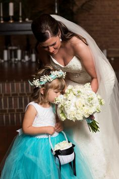 Bride and flower girl - flowers, Tiffany blue wedding