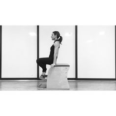 This #pilates #exercise on the Wunda Chair is a great way to develop upper #body #strength while strengthening the #core. Use 1 spring in the middle, start with the pedal all the way up and make sure not to press the pedal down with your legs. Repeat 5-8 times and pump with one leg at a time front, side, front 5-8 times each. Keep your shoulders depressed, ribs and #abs engaged! Have #fun #today!