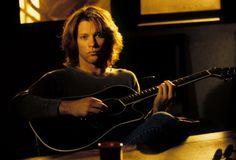 Jon Bon Jovi 1994. @johnnyshairsalon, Tumblr.