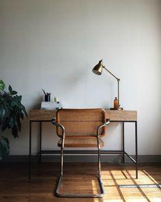18 рабочих мест с деревянными столами – Вдохновение