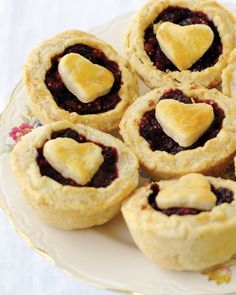 Muddy's Baby Pies in the Cherry Baby variety. Perfect for the pie-lover's wedding day!