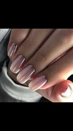 What Christmas manicure to choose for a festive mood - My Nails Fingernail Designs, Nail Art Designs, Bridal Nails, Wedding Nails, French Nails, Hair And Nails, My Nails, Nails 2018, Burgundy Nails