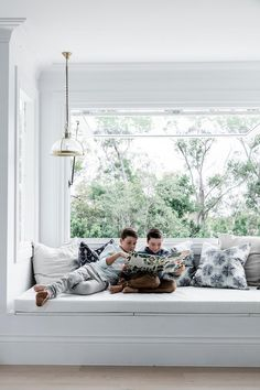 I wish 😌 Pic by for 👉 Gas Strut window by to find out more about our gas-strut crush 💘 Window Bed, Open Window, Window Seats, Three Birds Renovations, High Windows, Queenslander, Home Renovation, The Hamptons, Building A House