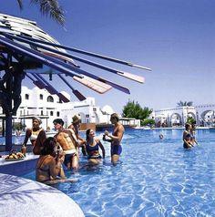 Arabella Azur Resort in Hurghada North Arabella, Beste Hotels, Egypt Travel, Red Sea, Opera House, Building, Places, Resorts, World