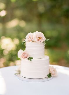 This private estate wedding on Chappaquiddick was filled with nautical details and seafoam hues. The bouquet by Morrice Florist was my favorite detail! 1 Tier Wedding Cakes, Publix Wedding Cake, Blush Wedding Cakes, Small Wedding Cakes, Wedding Cake Roses, Elegant Wedding Cakes, Wedding Cakes With Flowers, Beautiful Wedding Cakes, Wedding Cake Designs