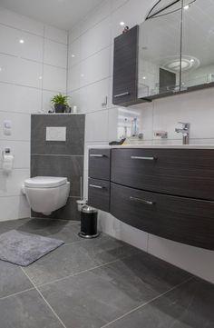 Schräg angebrachtes WC – praktisch und elegant | Wohnideen | Pinterest
