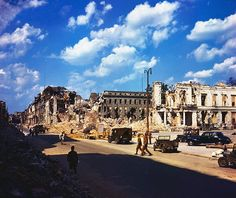 https://flic.kr/p/mtYufN   1945, Allemagne, Berlin, Les ruines de la ville en été   Photos originales en couleurs - Original color photos