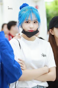 Yu Jin, Fandom, Japanese Girl Group, Korean Entertainment, Bts And Exo, Popular Music, Girls Generation, Blue Hair, Nice Tops