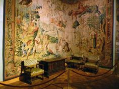 Le Château-Musée d'Ecouen: chambre de Catherine de Médicis.