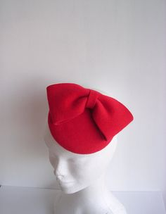 Red velour  felt fascinator vintage style mini hat by FRIDAVOLOR, €64.00