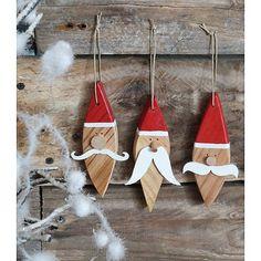 jule pynt jule nisser i træ malede malet nisse jul maling på træ - christmas santas wood painted - père noël, décoration noel, décoration bois recyclé, bois