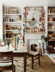 Shabby Chic Style, De Gournay Wallpaper, Pink Tiles, Scandinavian Apartment, London House, Interior Stylist, Designers Guild, Displaying Collections, Eclectic Decor
