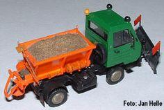 DDR-Landmaschinen Eigenbaumodelle. Multicar M25 mit Streuaufbau